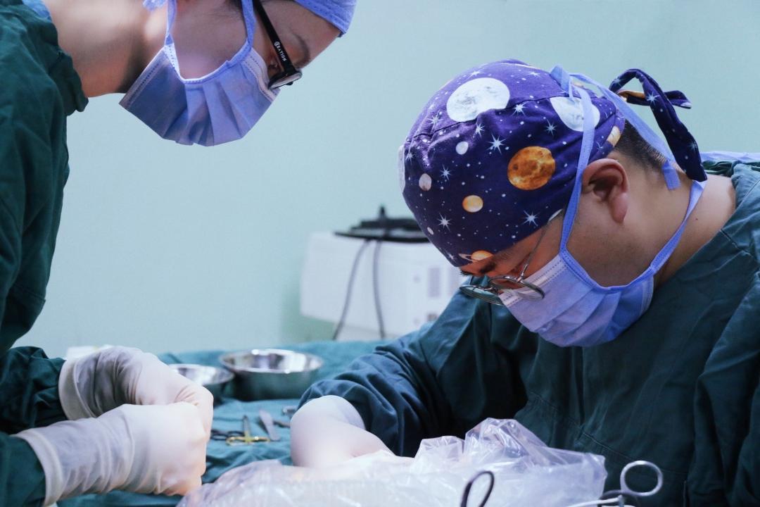 鼻整形中假体材料的选择(2)