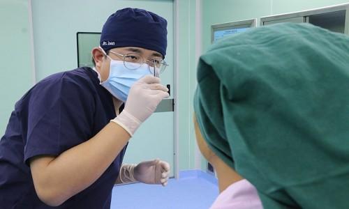 济南做双眼皮医院肿眼泡脂肪去的越多越好吗?